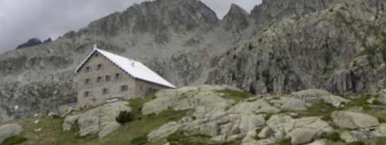 Instalación de cabinas telefónicas en los Refugios de Montaña