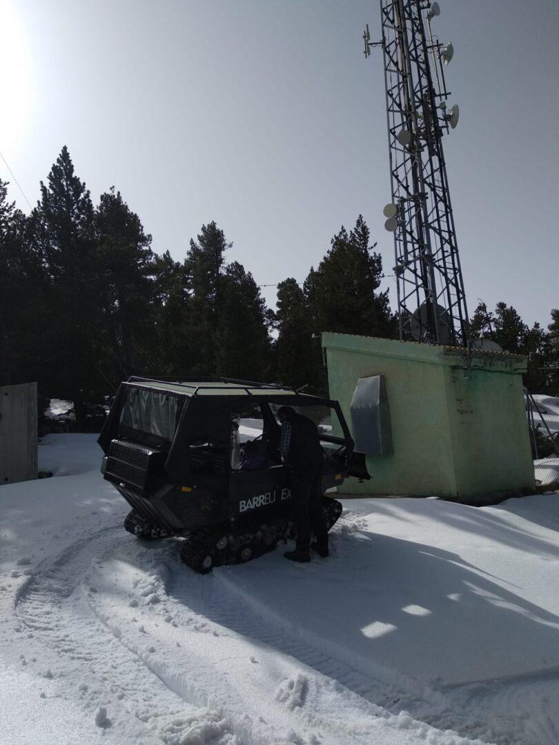 Servicio para accesos en invierno. Vehículo oruga.